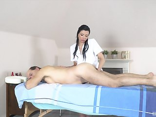 Abb� receives massage and sex from horny masseuse