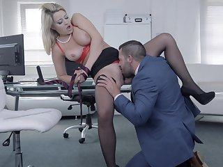 Chesty follower groupie Sienna Day gets say no to needs met forth the office