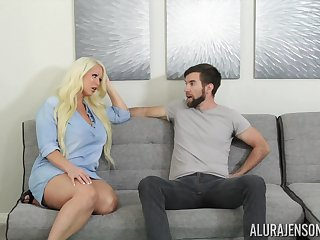 Fucking awesome housewife Alura Jenson gives a blowjob increased by boobjob