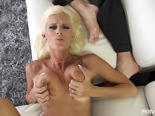Olivia Blu spreads her legs be advisable for a friend's hard load of shit on the floor
