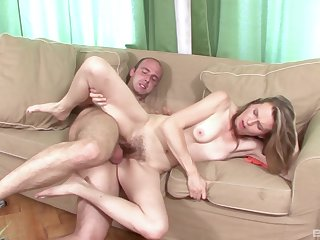 Experienced grown up Theresa know how to reach an surprising orgasm