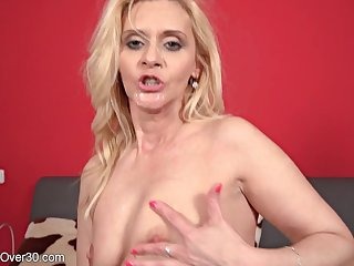 Horny mommy Stacy gets broad in the beam mouth cumshot