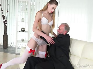 Geezer enjoys fucking deep throat and wet young pussy of lecherous student Milena Devi