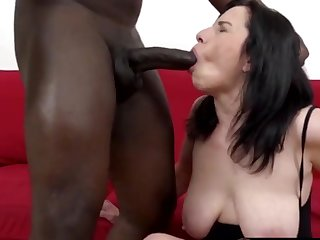 Cock hungry mature column together with grandmas sucking thick together with black dicks so well-disposed
