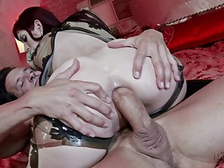 Violent anal in triple for the tight goth girl