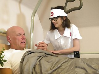 Nurse treats old patient in all directions be passed on most crack-brained XXX