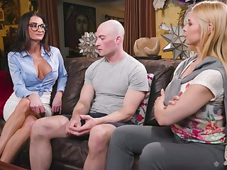 Sex-starved babes Sarah Vandella with the addition of Silvia Sage bang one bald headed ladies'