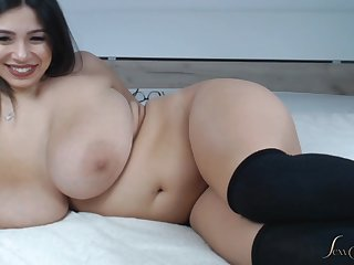 phat backside from latina - busty curvy babe with fat ass on webcam